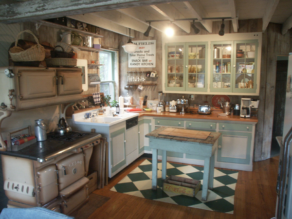 Design bruce littlefield 39 s life 101 for Old farmhouse kitchen ideas